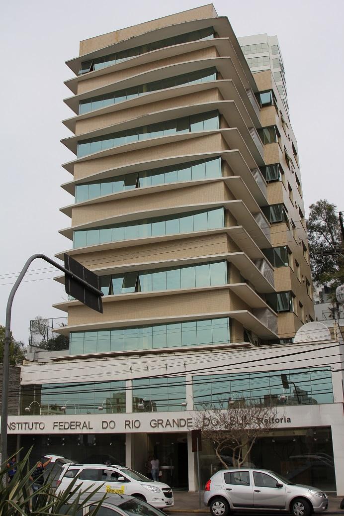 Foto da fachada da Reitoria do IFRS em Bento Gonçalves, Rio Grande do Sul